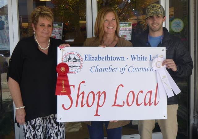 Fisher's Ladies Shop wins decorating contest