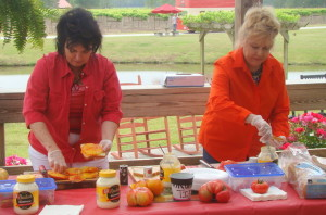 Lu Mil Vineyard hosts Greater Tomato Sandwich Day