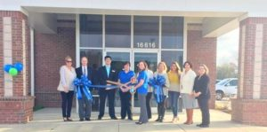 Bank holds ribbon-cutting in Tar Heel